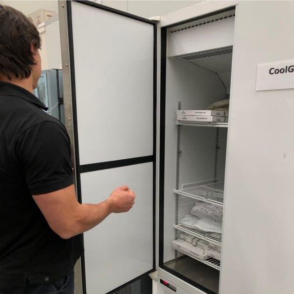 Conditioning frozen gel bricks in a freezer